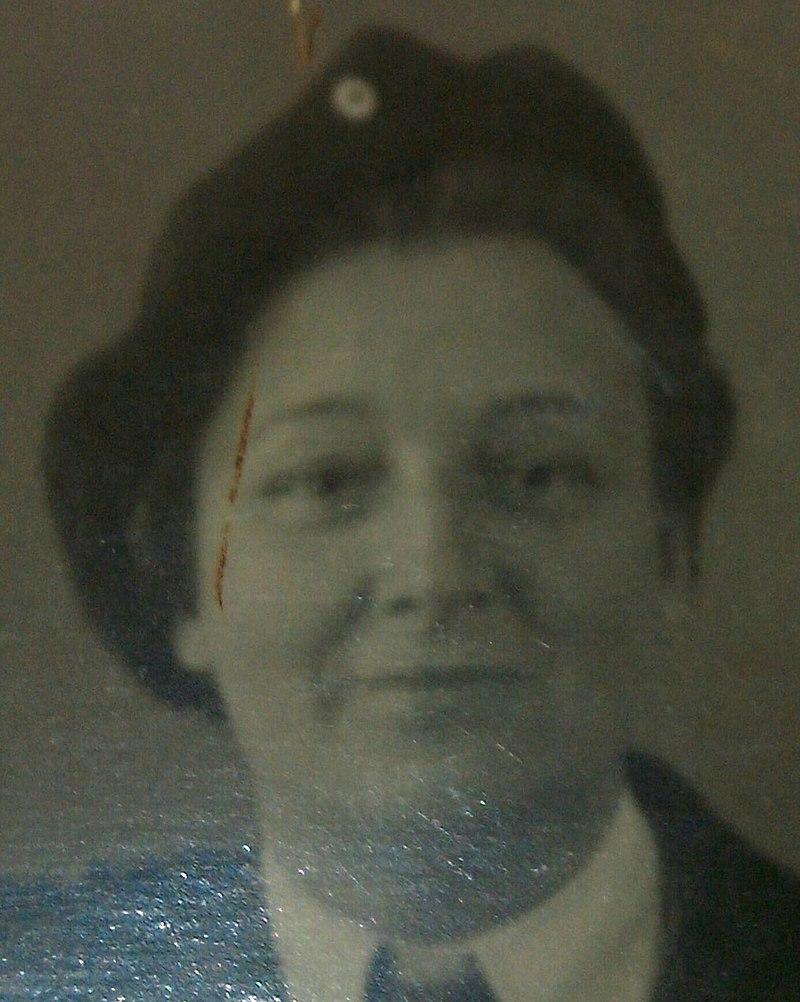 Auntie Truus (headshot)